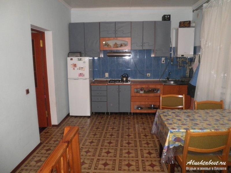Посуточно - алушта комнат: 1 площадь общая: 60